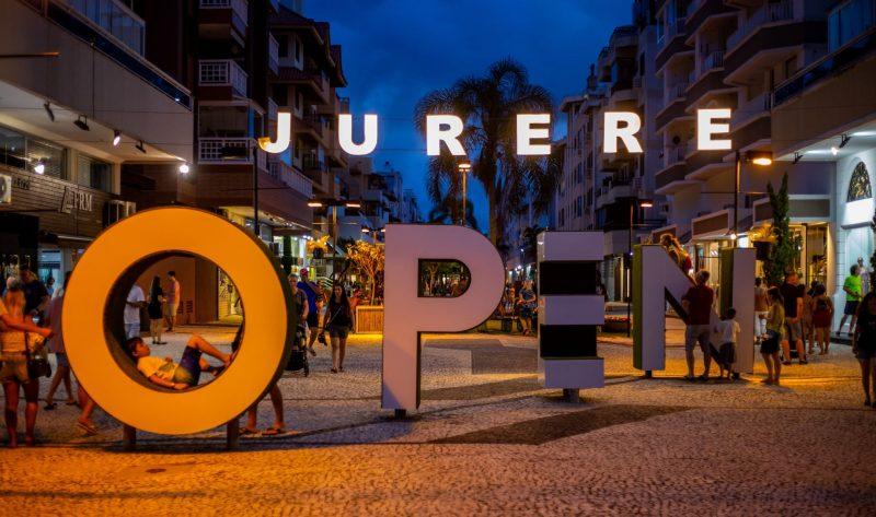 No Jurerê Open Shopping compraram quase tudo- Foto: Daniel Babinski/Divulgação/ND