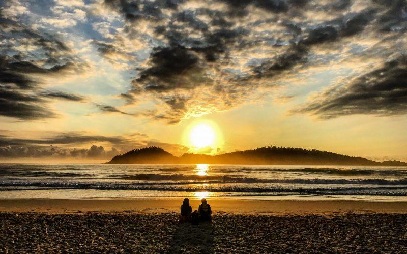 Amanhecer na Praia do Campeche - Anderson Coelho/ND