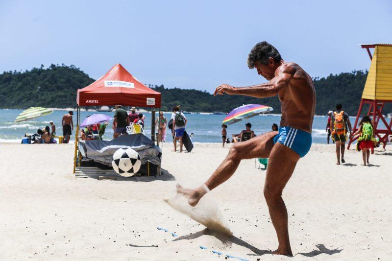 Futevôlei no point do Riozinho – Foto: Anderson Coelho/ND
