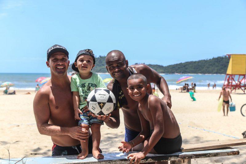 Amigos se reúnem e levam a família para praticar esportes no Riozinho - Anderson Coelho/ND