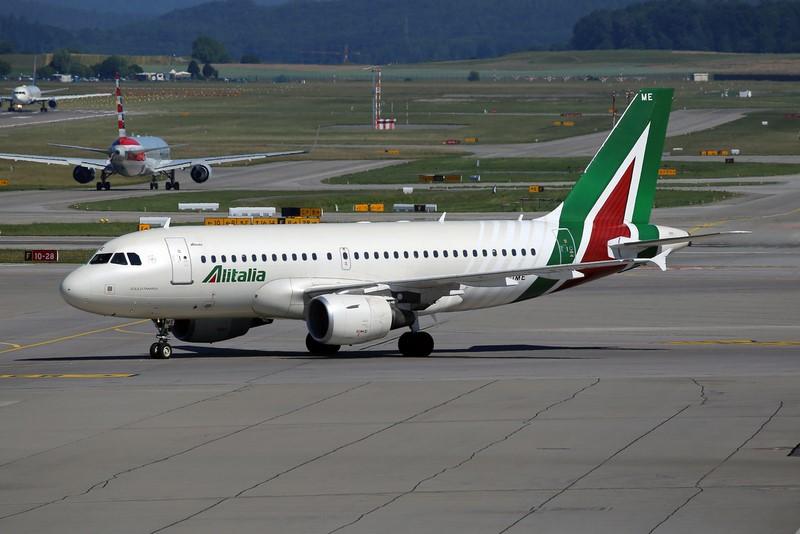 Alitalia - M. Oertle on VisualHunt / CC BY-NC-SA - M. Oertle on VisualHunt / CC BY-NC-SA/Rota de Férias/ND
