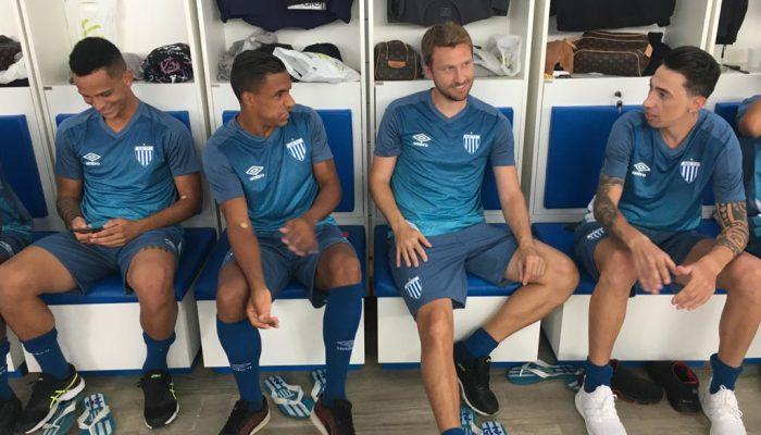 Arnaldo, Rafael Pereira e Rildo, novos reforços para a temporada – Foto: Carlos Alberto Ferreira / Avaí FC