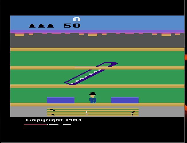 Em 1983 era lançado o Keystone Kapers, eternizado no Atari 2600. - Crédito: Reprodução/33Giga/ND