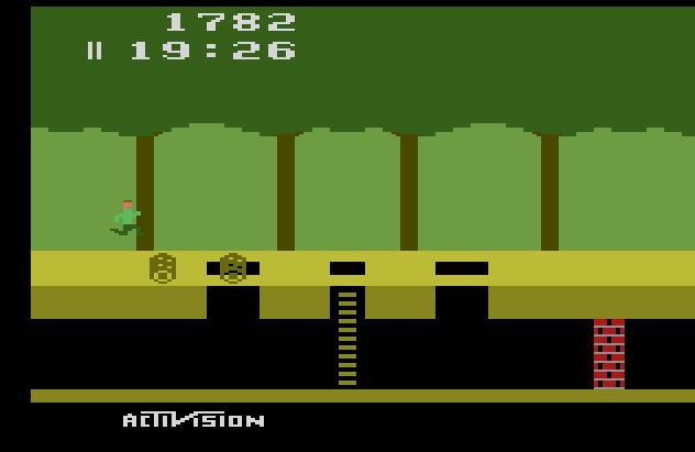 Lançado em 1982, Pitfall se tornou um dos maiores clássicos do Atari 2600. - Crédito: Reprodução/33Giga/ND