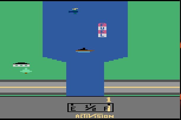 River Raid, de 1982, inovou ao trazer mais movimentos aos jogos de tiro. Um dos maiores sucessos do Atari 2600. - Crédito: Reprodução/33Giga/ND
