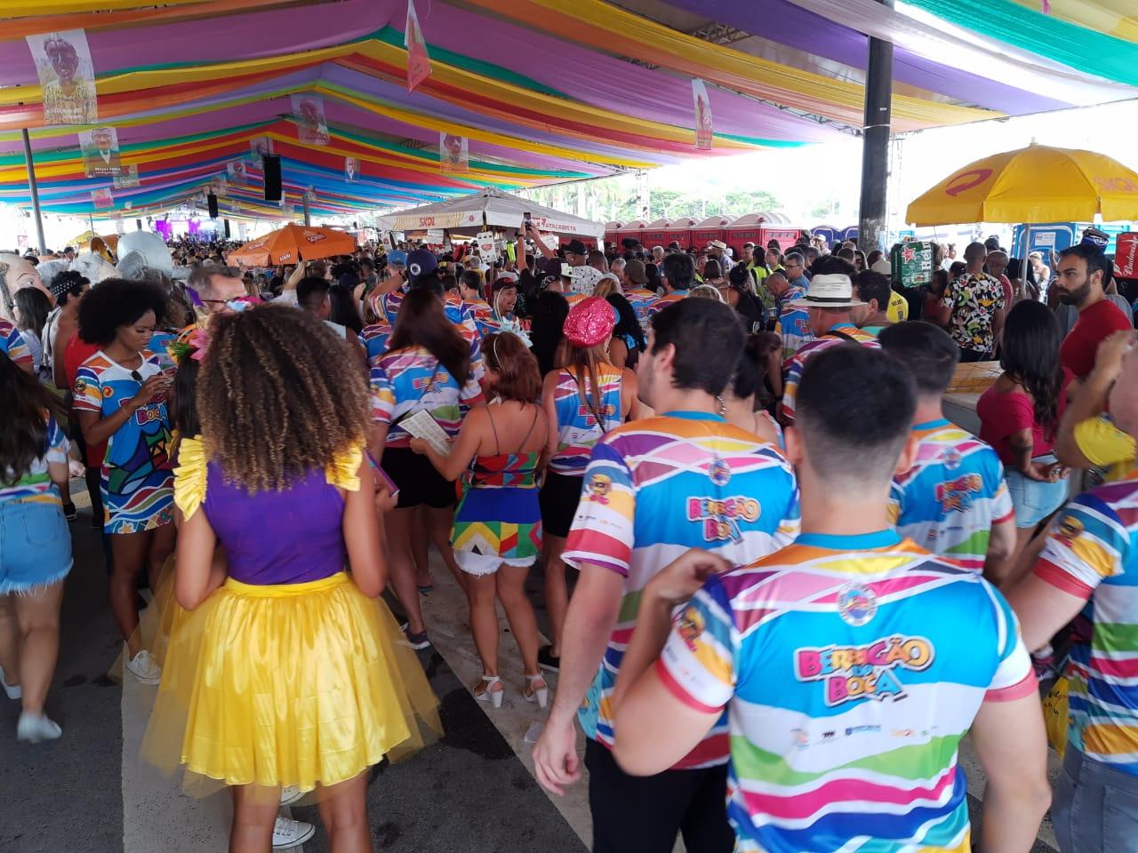 O Berbigão do Boca começou ao meio-dia reunindo um grande público - Marina Simões/ND
