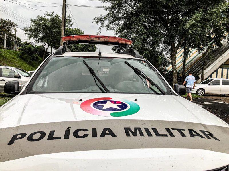 Polícia Militar prendeu o homem – Foto: Willian Ricardo/ND