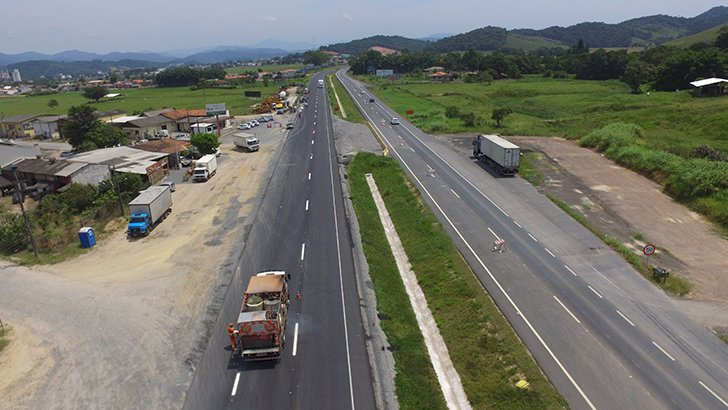 Trecho liberado fica entre os municípios de Gaspar e Ilhota – Foto: Dnit/Divulgação