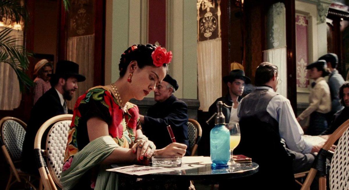 Frida (2002): Este filme vencedor do Oscar aborda o relacionamento da pintora mexicana com o marido e sua controversa reputação política e sexual. - Crédito: Divulgação/33Giga/ND