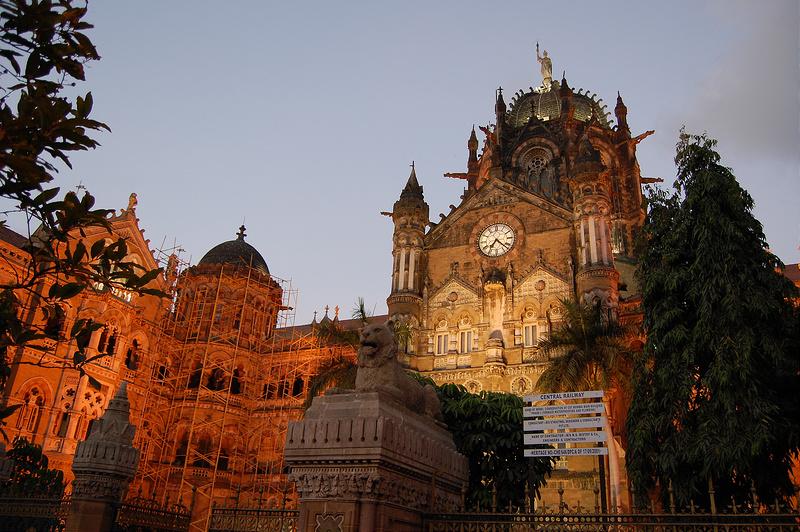 Alguns cenários de Mubai, na Índia, são destaque no aclamado