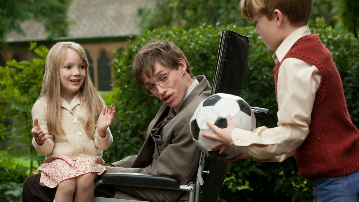 A Teoria de Tudo (2014) – Esta cinebiografia do astrofísico Stephen Hawking retrata a importância de seu trabalho, a luta contra uma doença incurável e o amor incondicional de sua esposa. - Crédito: Divulgação/33Giga/ND