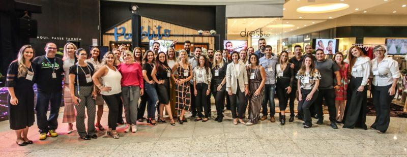 Expositores da Mostra CaseBem se reuniram no início da tarde de sexta-feira para a abertura oficial do evento, que está sendo realizado no Continente Shopping – Foto: Anderson Coelho/ND