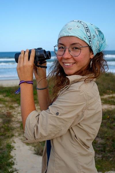 Larissa Dalpaz estuda baleias e golfinhos – Foto: Arquivo pessoal/Divulgação/ND