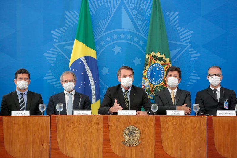 Resultado de imagem para GOVERNO ANUNCIA AUXILIO DE 200 MÊS AOS TRABALHADORES DO MERCADO INFORMAL