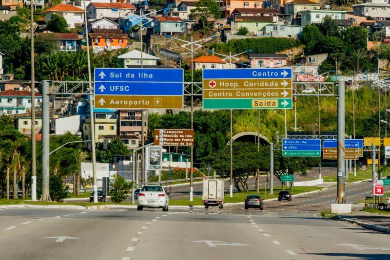 """Movimento de veículos era o """"sonhado"""" por todo motorista que se preze - e dirija - na grande Florianópolis - Foto Flavio Tin/ND"""