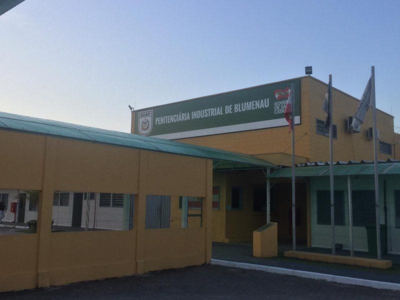 Homem foi morto dentro da cela na Penitenciária de Blumenau por outro preso – Foto: Divulgação/ND