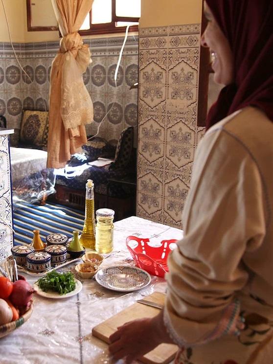 Cozinhando com uma família marroquina (https://bit.ly/34FHDaD) – Preço: a partir de R$ 79 por pessoa - Crédito: Divulgação/33Giga/ND