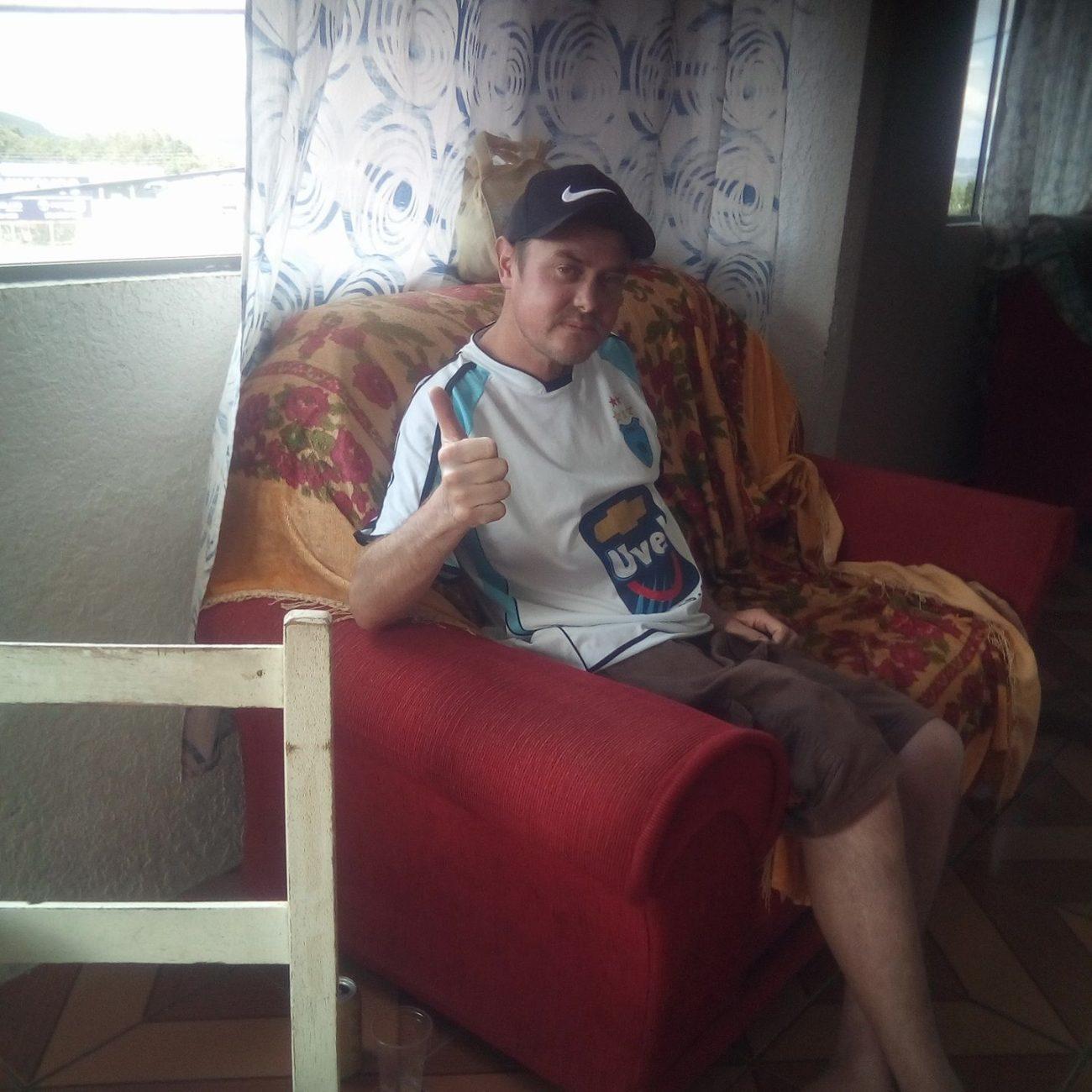 Valdinei Bison, de 35 anos, era morador do bairro Jacob Biezus, em Concórdia. Ele morreu em decorrência da Covid-19 na noite do dia 29 de maio. De acordo com informações da prefeitura, ele estava internado na CTI (Centro de Terapias Intensiva) do Hospital São Francisco. Ele sofria tinha doença renal e diabetes, afirma a Secretaria de Saúde. - Reprodução Redes Sociais