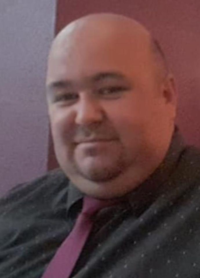 Ramon Magagnin, 37 anos, morreu no sábado (11/4), no Hospital Nossa Senhora da Conceição, em Tubarão. Morador de Urussanga, no Sul do Estado, Ramon estava internado há 16 dias e tinha sido levado para a UTI poucos dias antes de morrer. Confira a reportagem completa: https://bit.ly/2XAGHCJ - Reprodução/Facebook