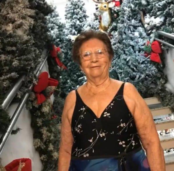 Maria Joana Prá, de 84 anos, morreu na madrugada do dia 14 de abril. A moradora de Braço do Norte foi a 27ª vítima fatal da Covid-19 em Santa Catarina. Ela estava internada na UTI do Hospital Nossa Senhora da Conceição, em Tubarão. Joana deixa cinco filhos. Confira a reportagem completa: https://bit.ly/2XAA7MH - Reprodução Instagram