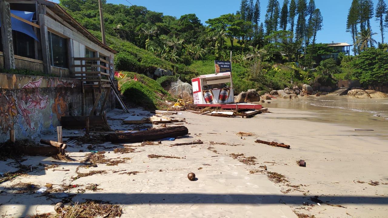 Orla de Florianópolis foi atingida por ciclone, que causou estragos - Defesa Civil Florianópolis (1)