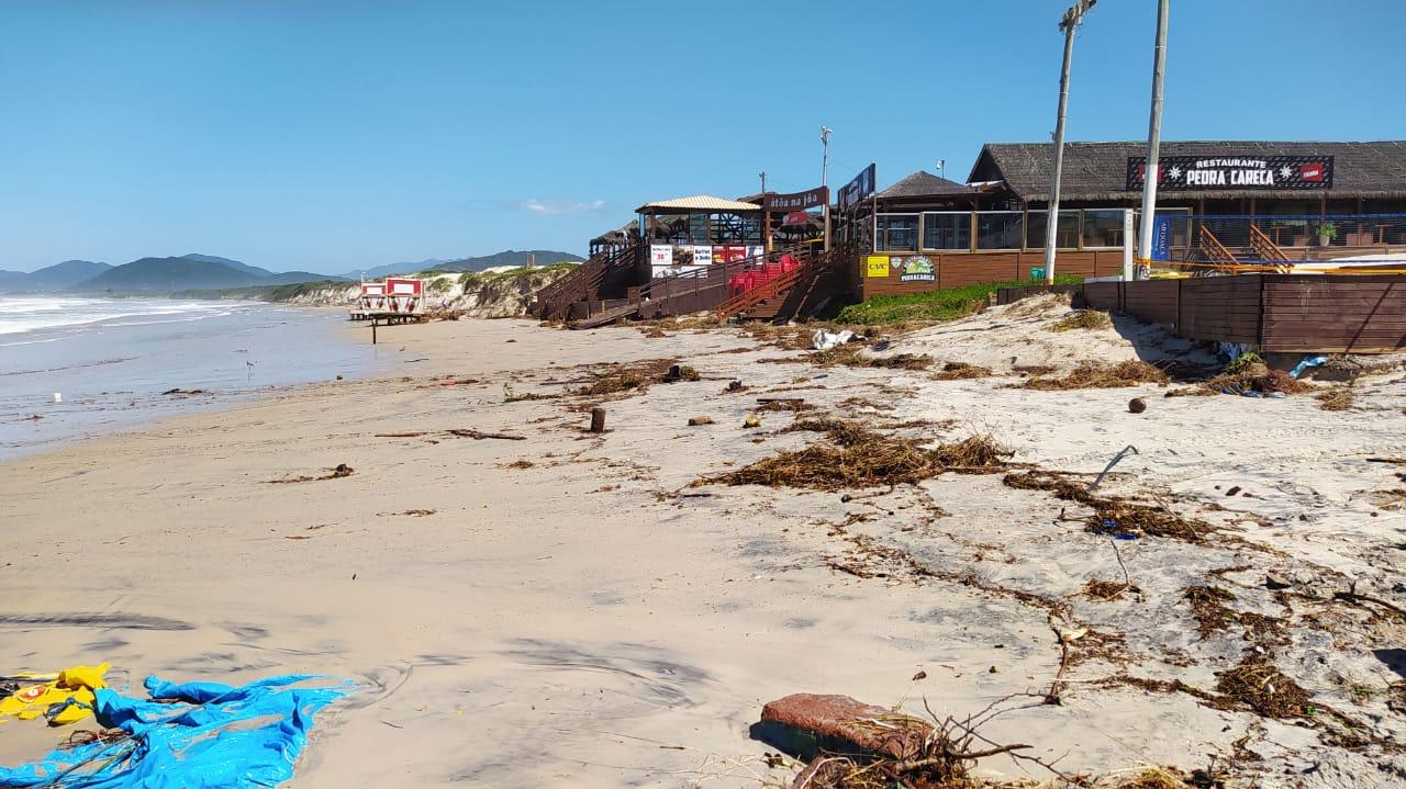 Orla de Florianópolis foi atingida por ciclone, que causou estragos - Defesa Civil Florianópolis (12)