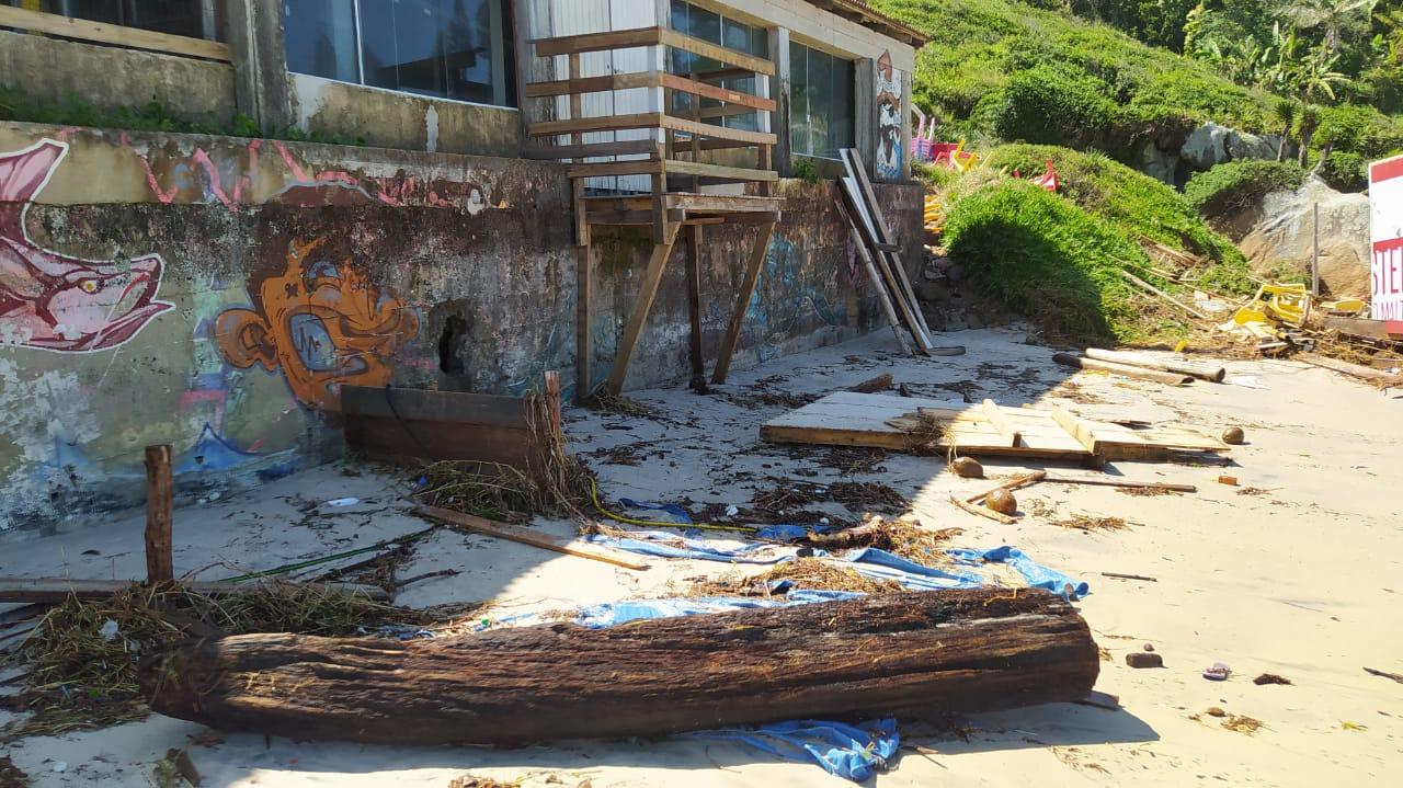 Orla de Florianópolis foi atingida por ciclone, que causou estragos - Defesa Civil Florianópolis (2)