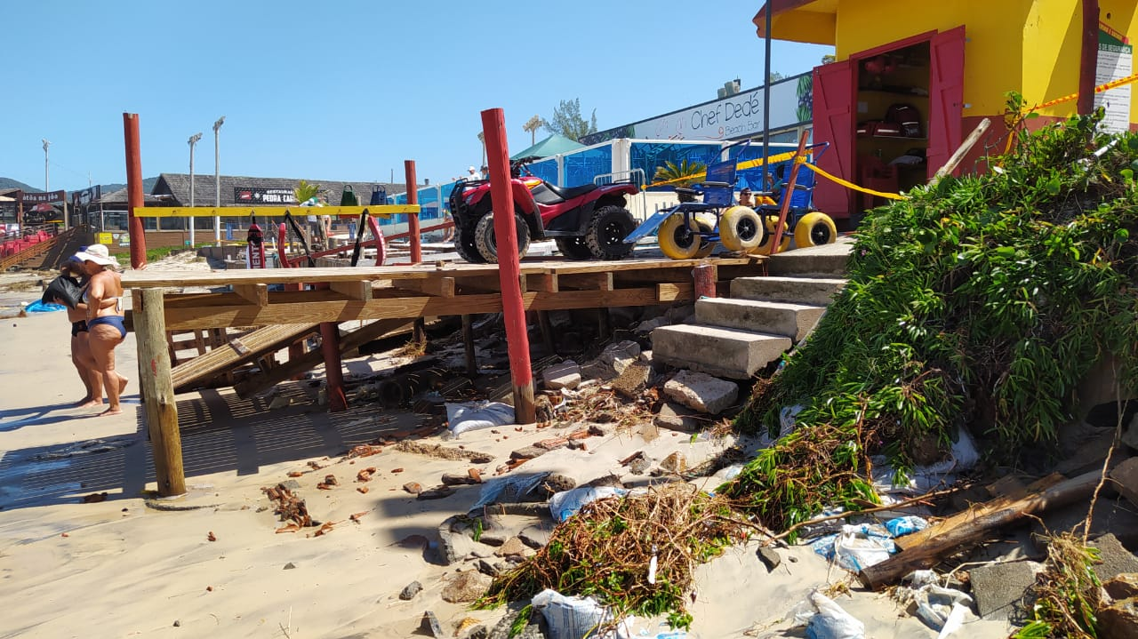 Orla de Florianópolis foi atingida por ciclone, que causou estragos - Defesa Civil Florianópolis (3)