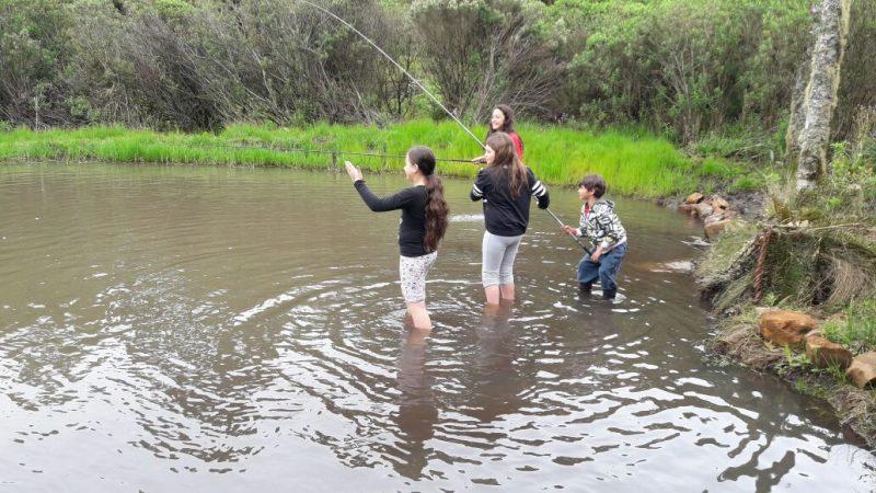 Hora da pescaria em família – Foto: Divulgação/ND