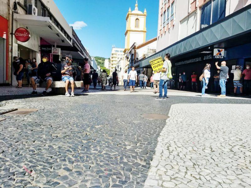 Ruas de Florianópolis voltaram a receber grande movimento, mesmo sem transporte público – Foto: Arquivo/Ian Sell/ND