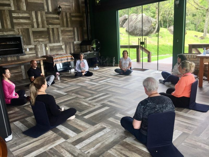 Técnicas de meditação em meio à natureza exuberante – Foto: Divulgação/ND