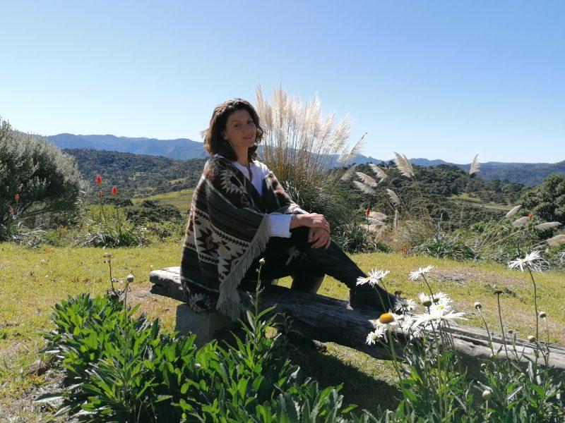Ana Ester Rossetto se encantou com a natureza deslumbrante observada do alto do Morro da Igreja e resolveu viver na região Foto: Katia Massuda/Divulgação/ND