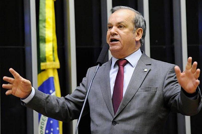 Deputado Peninha quer medicamento sem o peso dos impostos , já que é um dos mais caros do mundo – Foto: Divulgacão/Paulo Alceu/ND