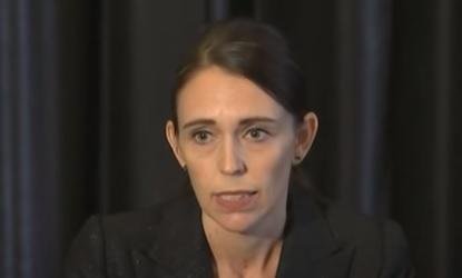 Primeira-Ministra da Nova Zelândia, Jacinda Ardern comemorou o número baixo de casos no país – Foto: Reprodução/YouTube