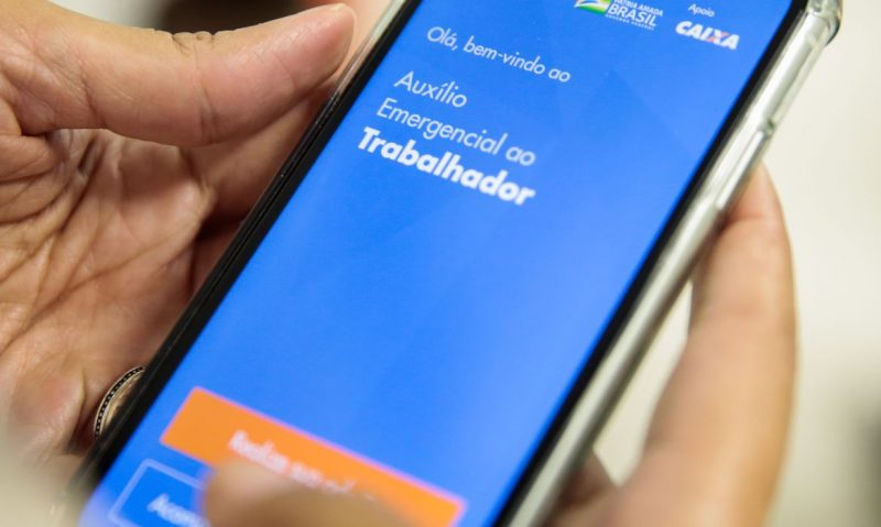 Aplicativo da Caixa para o auxílio emergencial apresenta problemas desde o dia 15 deste mês- Foto: Marcello Casal JrAgência Brasil/ND