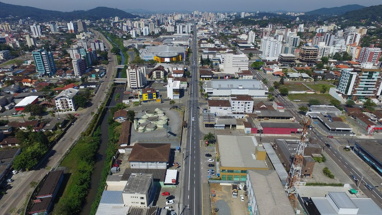 Com a morte de duas idosas, registradas no dia 20 e 22 de maio, Joinville chegou a marca de 15 vítimas fatais da Covid-19. As vítimas tinham 60 e 62 anos, e estavam internadas em hospital público - Reprodução/Youtube