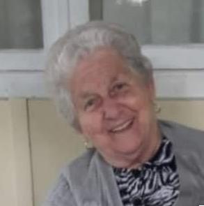 Norma Blasius, de 79 anos, morreu no dia 7 de maio, em Blumenau. Ela estava internada há 34 dias no no Hospital Santa Catarina, onde deu entrada no dia 3 de abril e foi direto para a UTI (Unidade de Terapia Intensiva).Blausius tinha comorbidades. A moradora do bairro Valparaíso deixa dois filhos. Confira a reportagem completa: https://bit.ly/2zfwYb0 - Reprodução/Redes Sociais