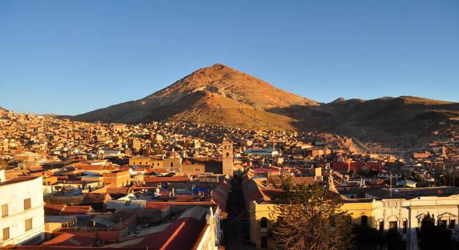 Mineração no Cerro Rico de Potosí parou por causa do coronavírus – Foto: Flickr
