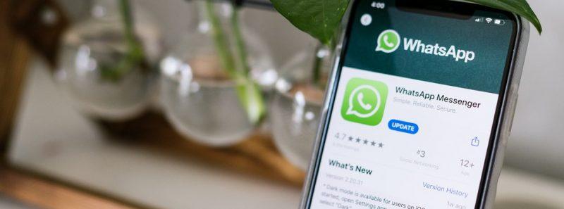 WhatsApp restringe encaminhamento de mensagens para até cinco contatos - Photo by Allie Smith on Unsplash