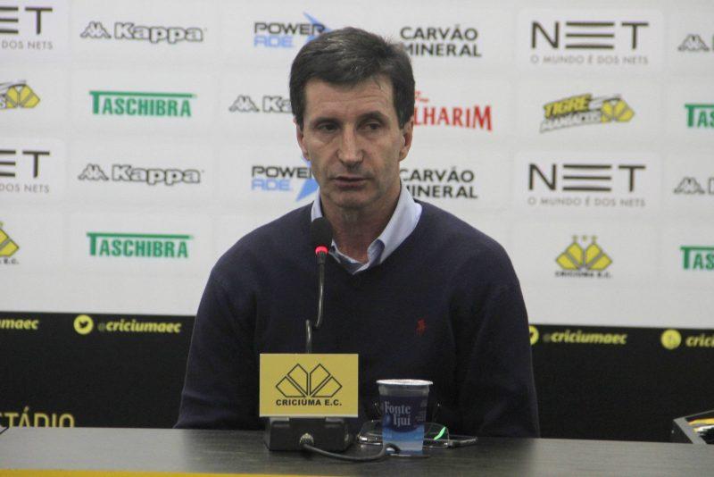 O atacante Vanderlei Mior marcou o seu nome na história do Criciúma, sendo o maior goleador da equipe, com 81 gols ao longo dos oito anos que vestiu a camisa do tricolor – 1985 a 1992. Na ocasião, foi peça-chave do título da Copa do Brasil de 1991. Antes de deixar a equipe catarinense, rumo ao México, Vanderlei Mior também esteve no time campeão dos estaduais de 1986, 1989, 1990 e 1991. - Picasa/ND