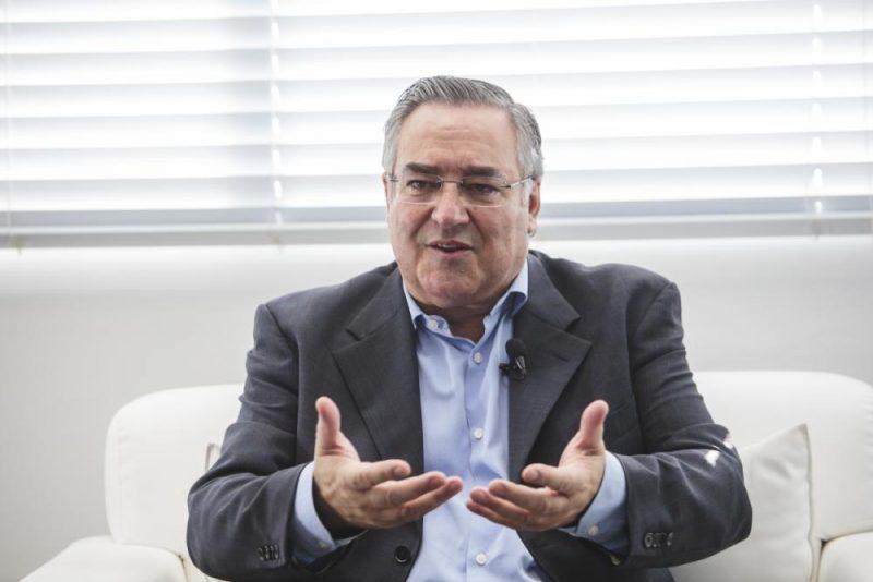 Raimundo Colombo conversou com o jornalista Paulo Alceu – Foto: Daniel Queiroz/Arquivo/ND