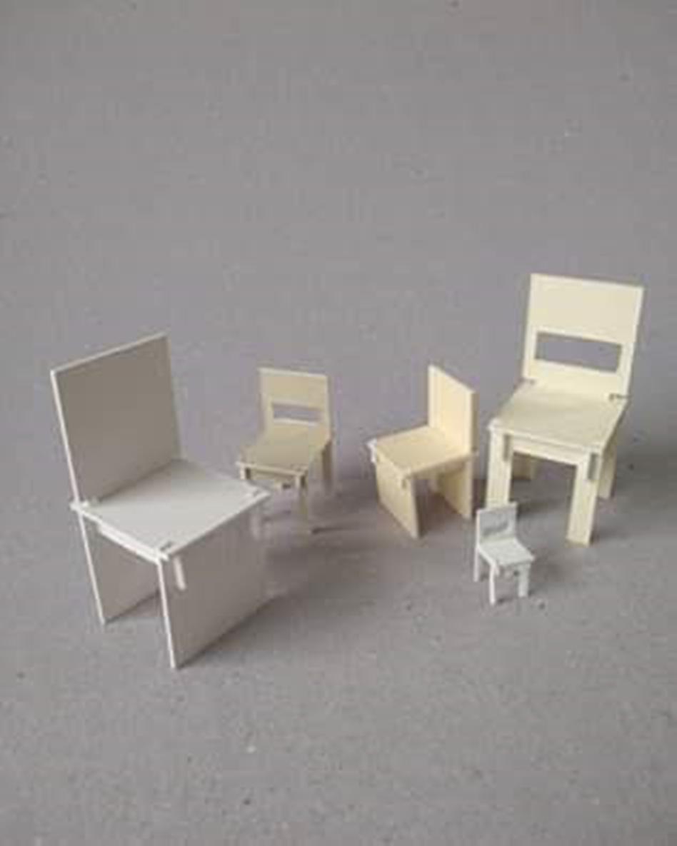 Cadeiras em miniatura de Gustavo Ramos - Divulgação/ND