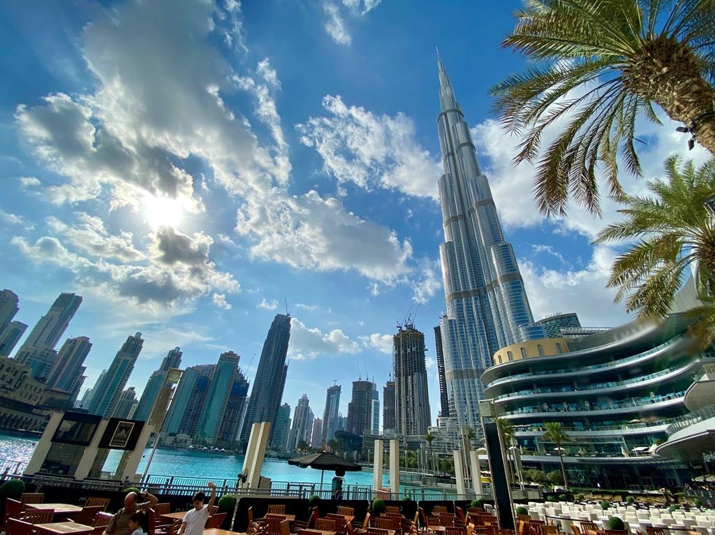 """Covid-19 pelo mundo: """"cenário aqui está ruim"""", diz moradora de Abu Dhabi - - /Rota de Férias/ND"""