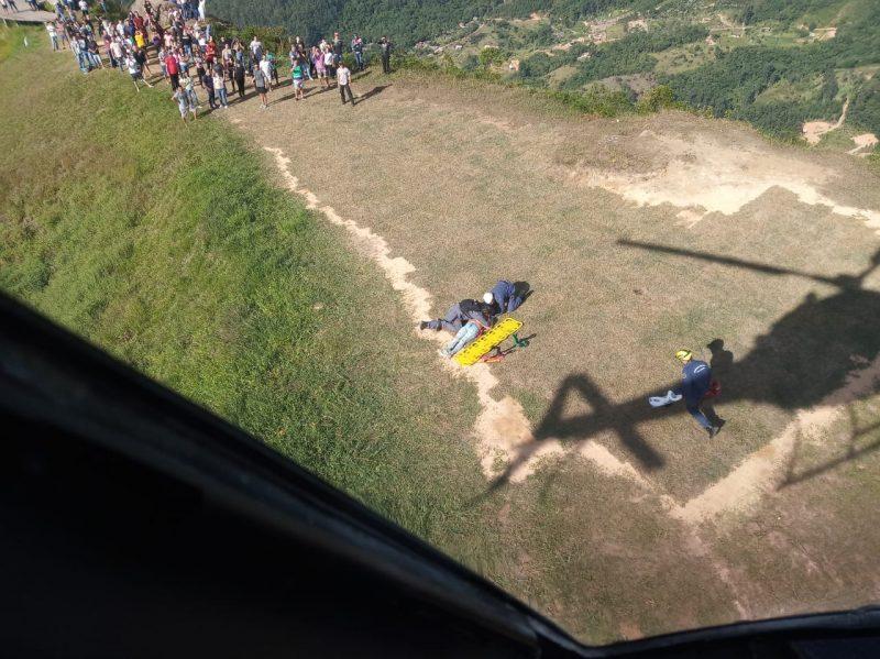 Vítima foi resgatada no Morro da Pipa – Foto: Polícia Militar/Divulgação/ND