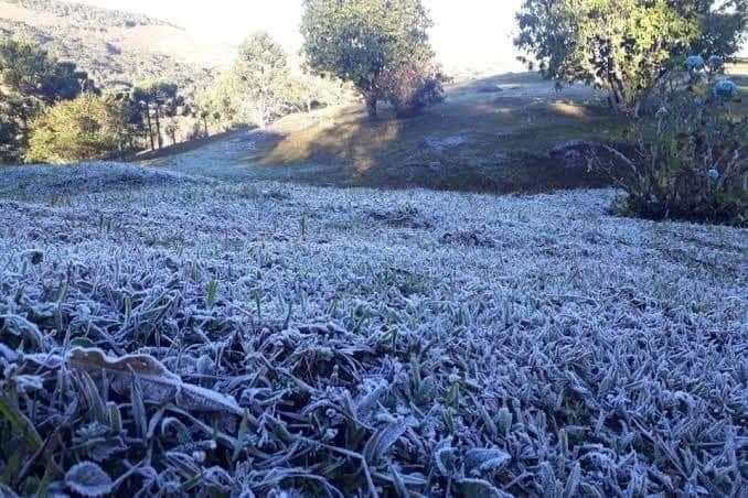 Campos Novos, de acordo com o Epagri/Ciram, marcou 2,5°C. E também teve a presença de geada contribuindo para a paisagem - Moisés Amaral