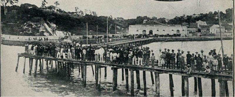 Há 100 anos, Florianópolis enfrentou a gripe espanhola. Na foto, recepção no porto municipal em 1919 – Foto: FCC/Reprodução/ND