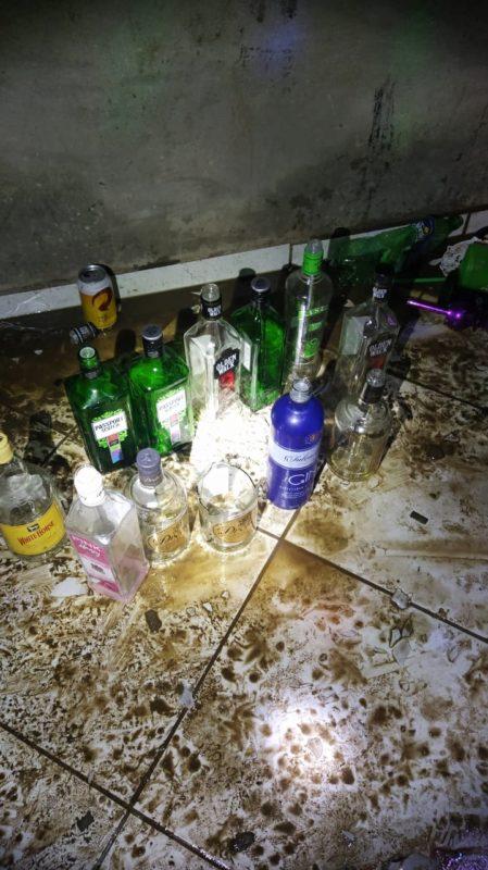 Bebidas foram encontradas no local – Foto: PMSC/Divulgação/ND