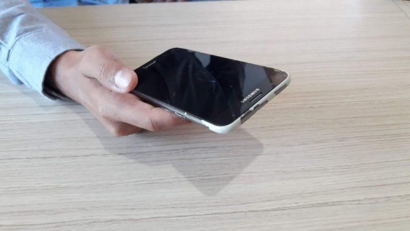 Gravações de monitoramento e dos estupros foram encontradas no celular que estava com o suspeito e havia sido roubado de uma das vítimas – Foto: Adrieli Evarini/ND