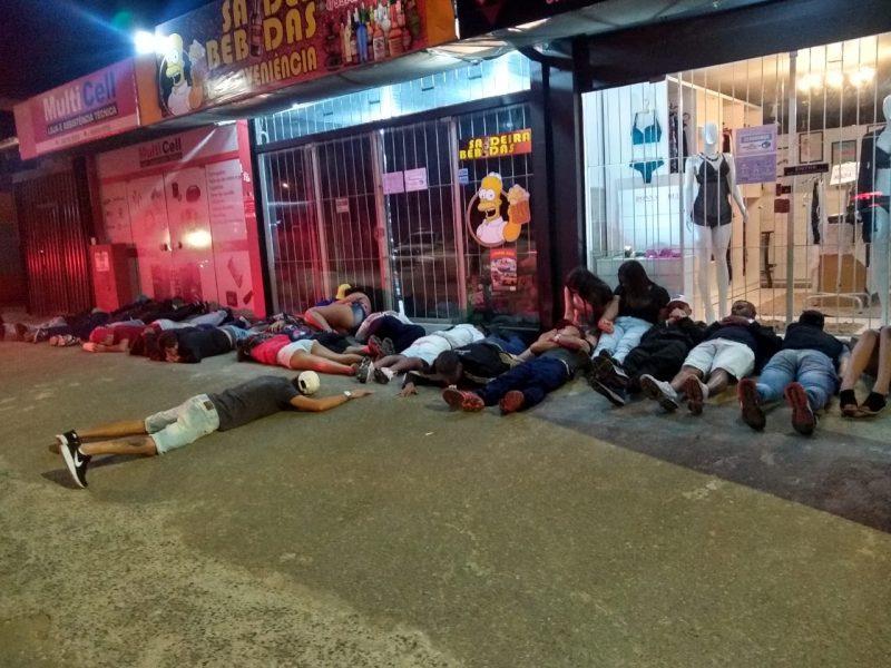 Festa acontecia em meio a pandemia. Decreto estadual proíbe aglomeração de pessoas – Foto: Polícia Militar/Divulgação