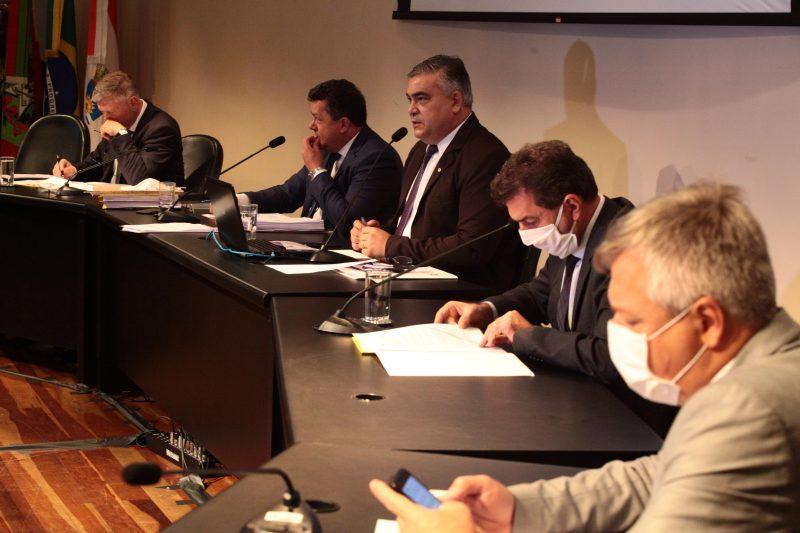 Deputados pediram ao relator da comissão para que sejam convidadas apenas pessoas que tenham relação com a compra dos 200 respiradores – Foto: Solon Soares/Agência AL/Divulgação/ND